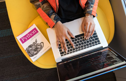 Post image The 5 Easiest Programming Languages to Use Python - The 5 Easiest Programming Languages to Use