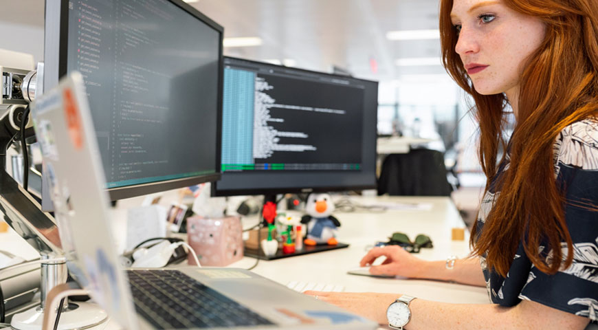 featured image The 5 Easiest Programming Languages to Use - The 5 Easiest Programming Languages to Use